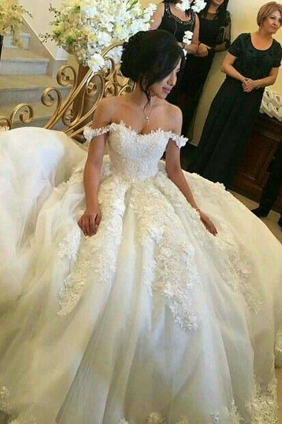 Fashion Off the Shoulder Tulle Ball Gown Wedding Dress with Appliques Bridal Dress